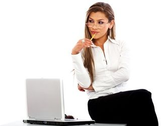 Woman with laptop 5984141_XS